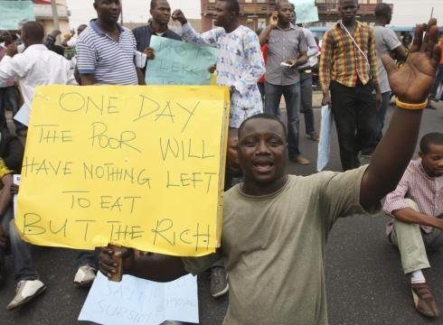Nigeria-fuel-price-protest-turns-violent-51PQQPE-x-large