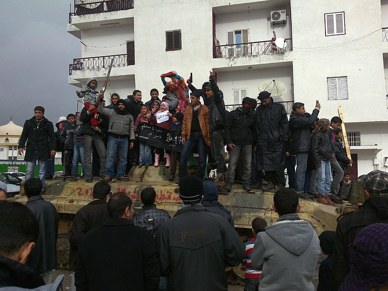 Celebrating_the_rebels_Al_Bayda_Libia_2011-02-25