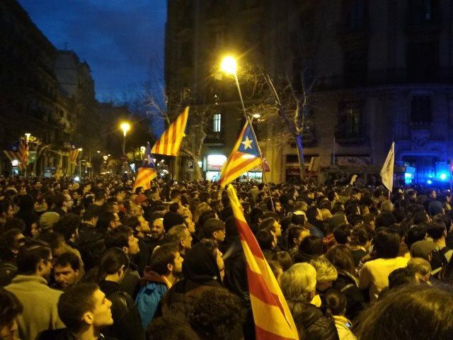 Concentración frente a la Delegación del Gobierno en Barcelona